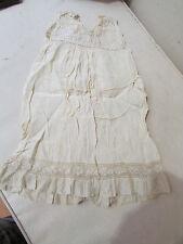 ravissante ancienne robe bebe enfant en soie ecrue broderie sur tulle