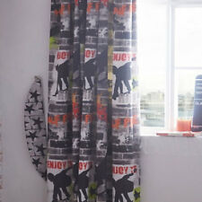 Tricks, Skateboard and Graffiti Curtains 54s