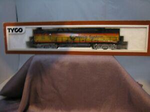 Tyco HO Powered Diesel Locomotive Chessie C&O #1102 MIB!