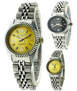 New Old Stock Vintage Style Fluted Bezel Round Crystal Metal Women's Watch