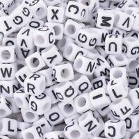 500 Weiß Schwarz Buchstaben Acryl Würfel Perlen Spacer Beads 6x6mm  FL