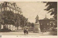 64 - cpa - PAU - Place Royale