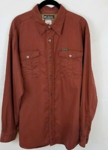 Columbia Long Sleeve Button Up. Size Large.