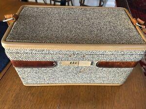 Vtg. Hartmann Luggage--Tweed Leather Cosmetic Train Case