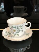 Beautiful Vtg Teacup & Saucer Set Fine Bone China  Royal Grafton Made in England
