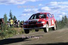 Toni Gardemeister Mitsubishi Carisma GT 1000 Lakes Rally 2001 fotografia 1
