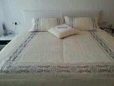 Bettüberwurf, Tagesdecke  mit 3x Kissenbezügen