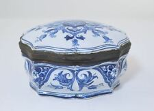 ANTIQUE DELFT TABLE SNUFF BOX FAIENCE HINGED SIGNED TRINKET