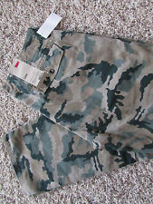 NEW LEVIS CHINO CAMO PANTS JEANS MENS 32X34 STYLE: 556880043 FREE SHIP!