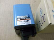 SMC   IS-300-02   PRESSURE SWITCH   (MORI SEIKI #U40015A15)