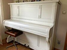 gebrauchtes weisses Klavier, Stimmung notwendig