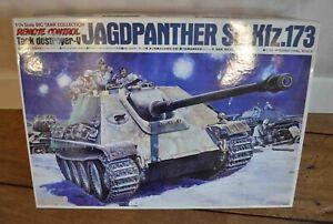 Rare Maquette Tank Jagdpanther Sd.Kfz.173 radiocommandée au 1/24 BANDAI 35406