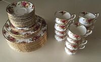 Royal Albert Old Country Roses 45 Piece China Set Dinner Plate Tea Cup Saucer