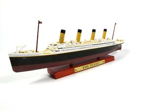 Atlas 1:1250 Alloy R.M.S TITANIC Cruise Ship Model Diecase Collectiable Boat Toy
