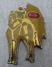 Pin's chevalier Cheval Marque voiture Volkswagen Audi