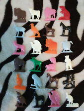 24 Vintage Plastic Semi Flat ALPHABET ANIMALS 1950s Era Cracker Jack Prizes -E
