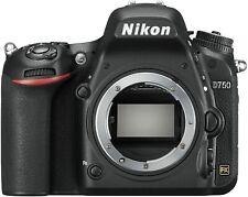 Nikon D750 Solo Corpo Bellissima Pari al Nuovo 5000 scatti AAAAAAAAA++++++