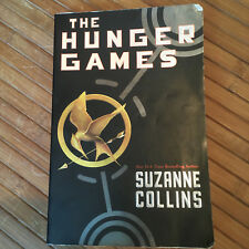 The HUNGER GAMES BOOK Suzanne Collins PB gift Holiday trilogy books 1 One