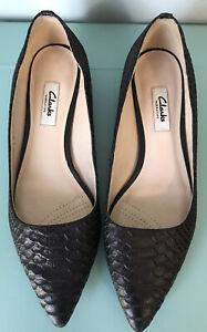 CLARKES Black Textured Leather Pointed Toe Ballet Flats Size AU/US 8.5 EUC