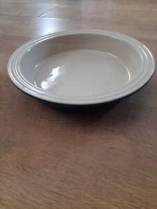 Le Creuset 24cm Round Casderole Pie Dish Blue