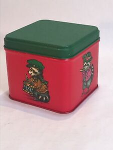 Potpourri Press Raccoon Flute/Guitar/Drum Christmas at School Tin Red And Green