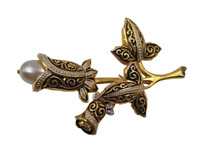 """Beautiful Vintage Gold Tone Flower Brooch / Pin with Faux Pearl Accent ~ 2"""" Long"""