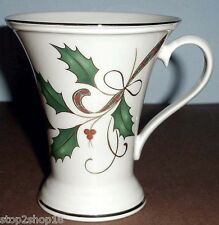Lenox Holiday Nouveau Accent Mug Gold Band 10 oz. Holly/Berry Motif USA NEW