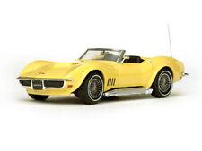 Véhicules miniatures jaunes en résine pour Chevrolet