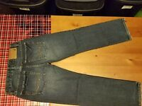 AMERICAN EAGLE  DARK WASHED & WHISKERED  STRAIGHT JEANS  26 X 28