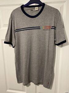 Mens Levis T Shirt Medium.