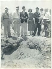 1934 Press Photo Tucson Kidnap Victim J Robles Family Police Chief Gus Wollard