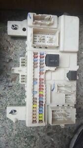 30765015 VOLVO V50 S40 CEM MODULE FUSE BOX
