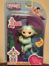 Fingerlings ZOE TURQUOISE Baby Monkey EXCLUSIVE Bonus Stand AUTHENTIC RETAIL