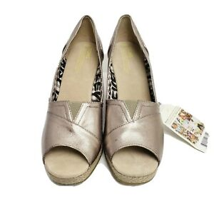 Toms 9.5 M silver twill wedge heel Pewter Bennet with box and shoe bag