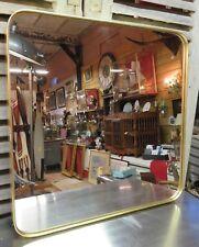 Glace / miroir carré en métal doré 60 cm