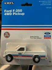 1:64 ERTL DIE CAST FORD F-250 New Holland Pickup New 310