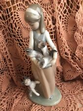 Lladro 1309 Following Her Cats Retired Glossy! 2 chips! See Description! L@K!