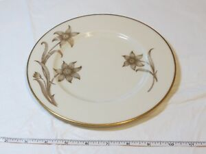 """Lenox Daybreak T-417 Off White Gold Trim and Flowers 8 1/4"""" Salad Plate !"""