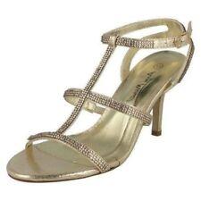 39 Scarpe da donna in oro con fibbia