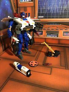 Hasbro Transformers Armada Max-Con Red Alert with Longarm - Near Complete