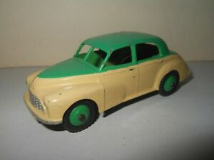 Dinky Toys MORRIS OXFORD  cream & green  diecast Made in England Meccano