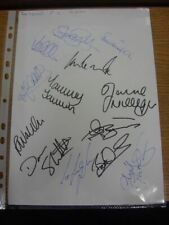 2001 Autographed A4 Page: Blackpool - Approx 13 Signatures Upon A Plain White Pi