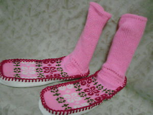 Vintage 60s 70s Knit Slipper NOS Socks PINK L XL Vinyl soles EC Moccasin
