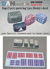BAGS (3 PCS), SPORTS BAG 1 PCS. (RESIN) + DECAL 1/35 DAN MODELS 35305