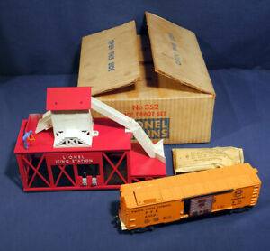 Lionel Trains #352 Ice Depot Set Icing Station w/ Car Never Used in Original Box