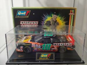 1998 Bobby Labonte #18 Small Soldiers Interstate Batteries 1:24 NASCAR Revell