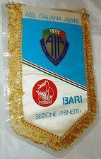 Gagliardetto Ass. Italiana Arbitri Bari misure 21x29 cm + cordoncino + custodia