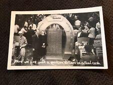 Photo Postcard-Nevada-Las Vegas-Joe W Brown Horseshoe Club Couple Casino Slots
