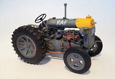 Plus Model Tractor Fordson n-big Resina Kit 1 :3 5 Art 448 Versions :3