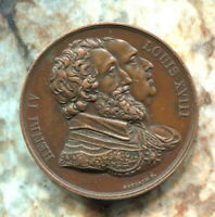 BEAUTIFUL HISTORICAL HENRY IV (1553-1610)  AND LOUIS XVIII (1755-1824) MEDAL